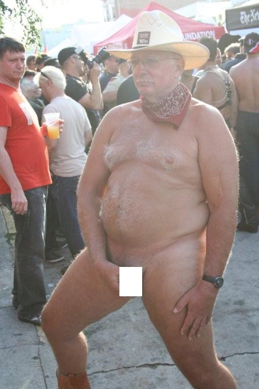 fols-08_old_naked_man