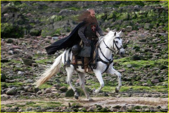 robin-hood-traian-basescu-rides-white-horse