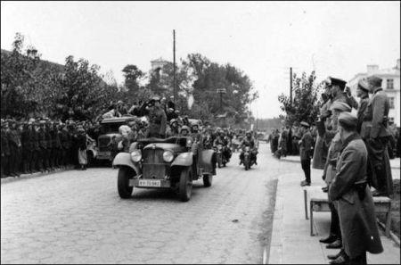 parada comuna sovieto-nazista-3