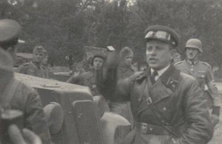 Sovieticii se saluta cu nazistii-5